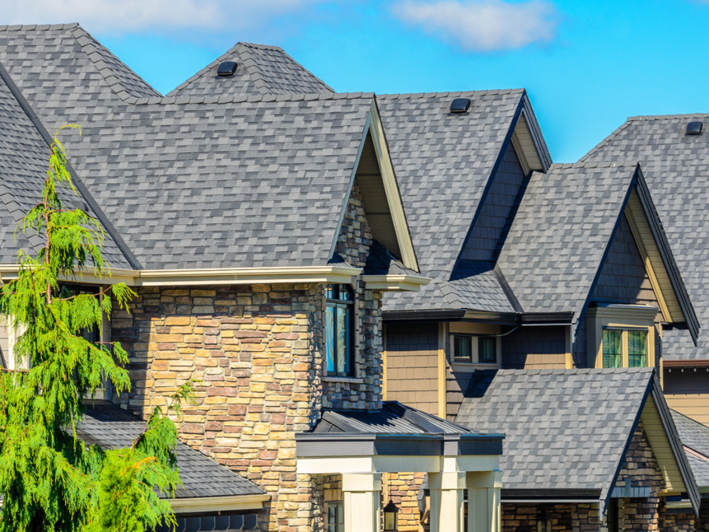 Explore the benefits of shingle roofs